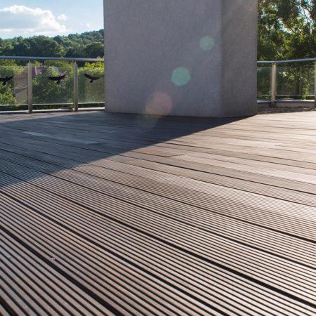 Taras Bangkirai na dachu – Renowacja